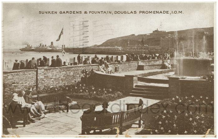 Postcard front: Sunken Gardens & Fountain, Douglas Promenade, I.O.M.