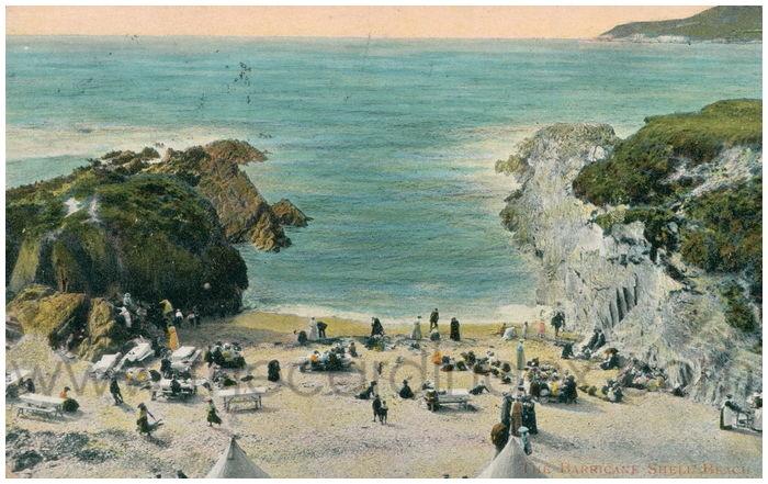 Postcard front: The Barricane Shell Beach