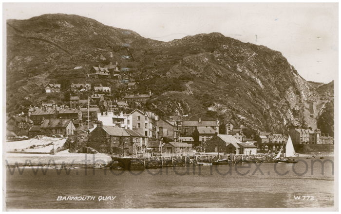 Postcard front: Barmouth Quay