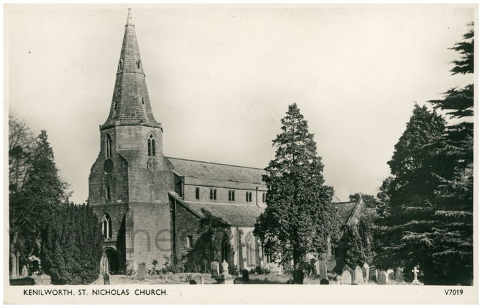 Postcard front: Kenilworth, St. Nicholas Church.