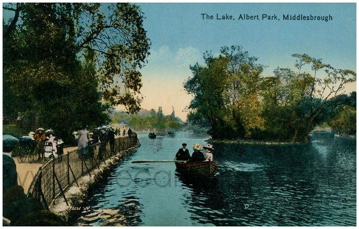 Postcard front: The Lake, Albert Park, Middlesbrough
