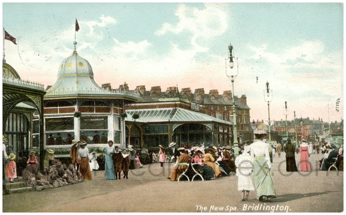 Postcard front: The New Spa. Bridlington