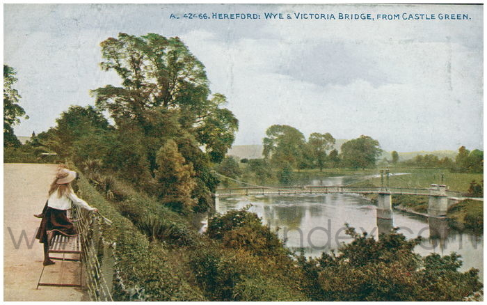 Postcard front: Hereford: Wye & Victoria Bridge, from Castle Green.