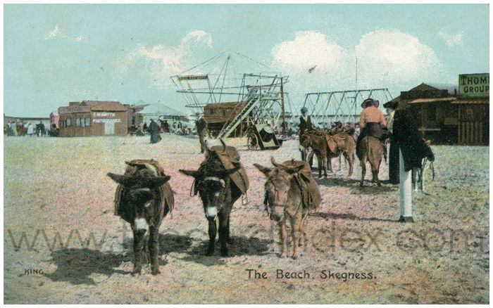 Postcard front: The Beach, Skegness.