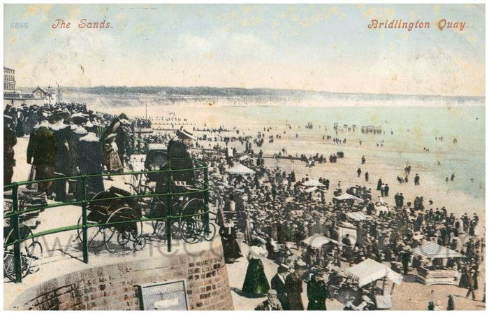 Postcard front: The Sands. Bridlington Quay.