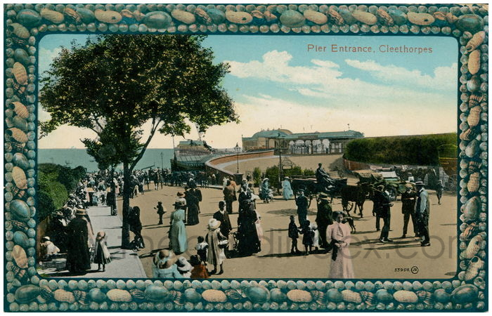Postcard front: Pier Entrance, Cleethorpes
