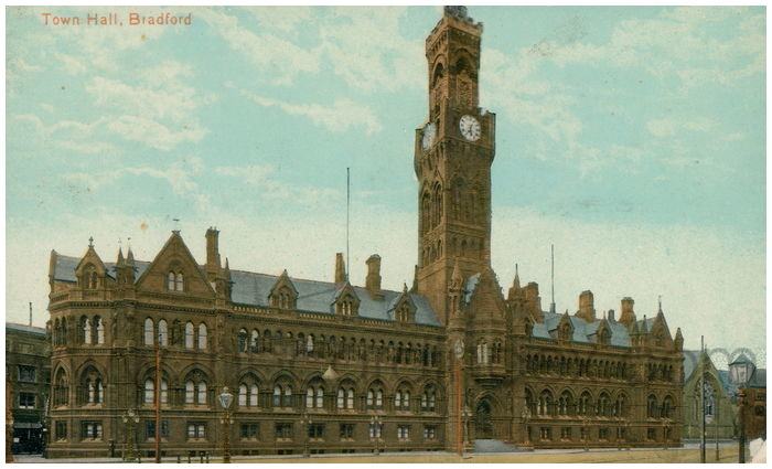 Postcard front: Town Hall, Bradford