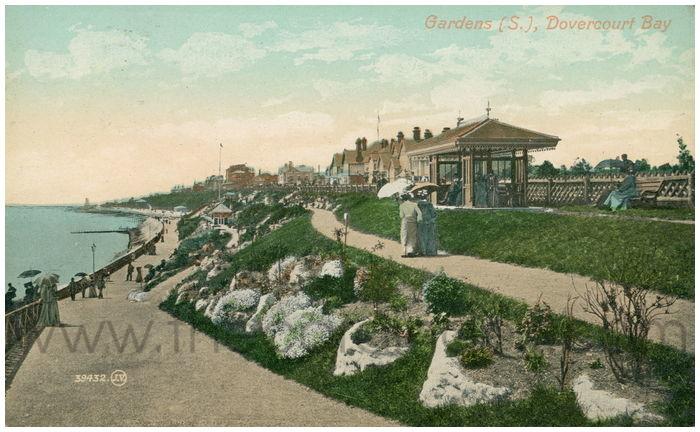 Postcard front: Gardens (S.), Dovercourt Bay