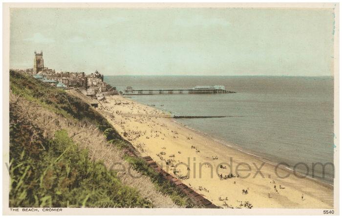 Postcard front: The Beach, Cromer
