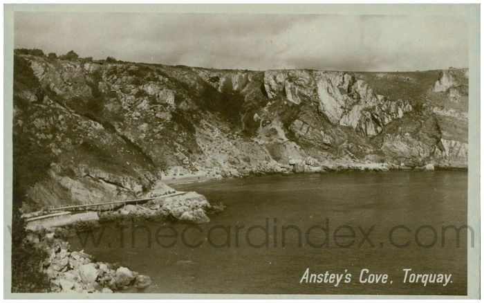 Postcard front: Anstey's Cove, Torquay.