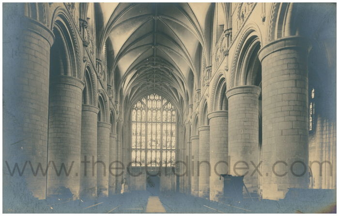 Postcard front: Gloucester Cathedral