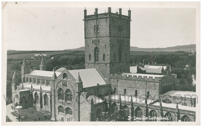 Postcard front: St. David's Cathedral.