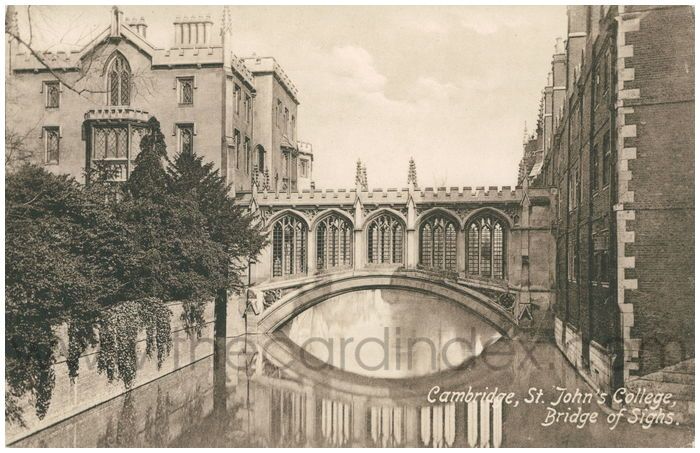 Postcard front: Cambridge, St. John's College, Bridge of Sighs.