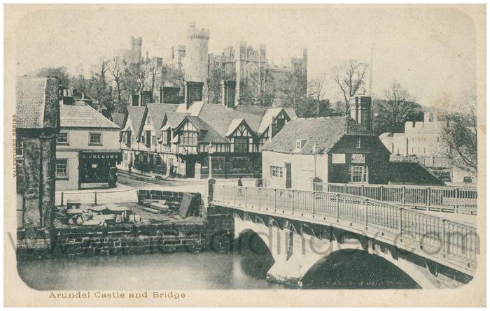 Postcard front: Arundel Castle and Bridge