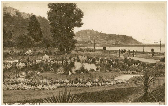 Postcard front: Torquay, Abbey Gardens