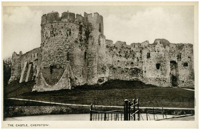 Postcard front: The Castle, Chepstow.