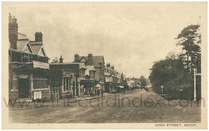 Postcard front: High Street. Ascot.