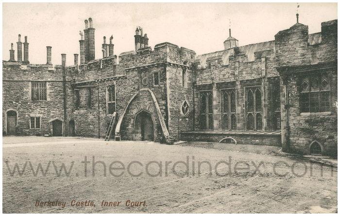 Postcard front: Berkley Castle, Inner Court.