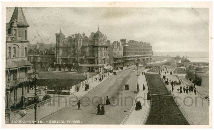 Postcard front: Bexhill-on-Sea - Central Promenade