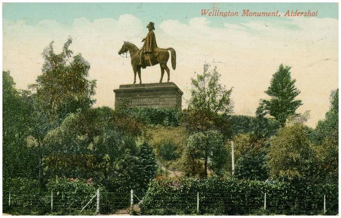 Postcard front: Wellington Monument, Aldershot