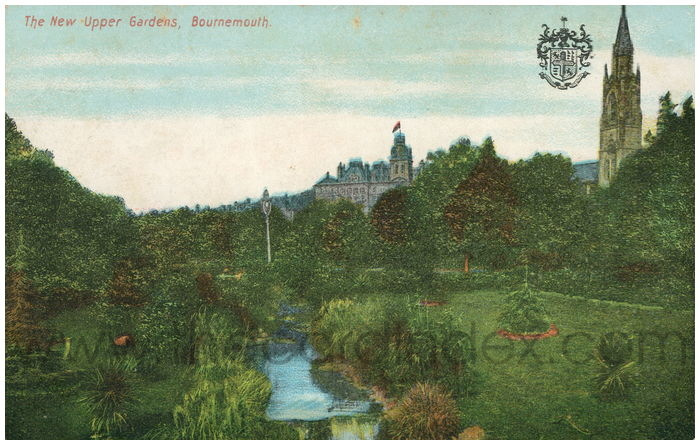 Postcard front: The New Upper Gardens, Bournemouth.