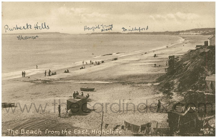Postcard front: The Beach from the East, Highcliffe.