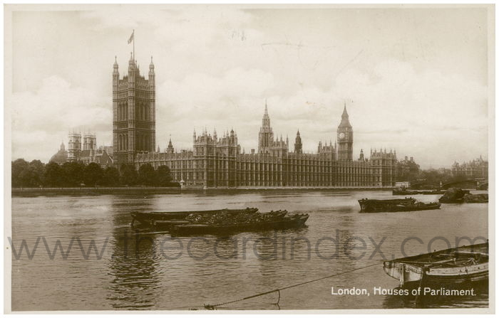 Postcard front: London, Houses of Parliament.