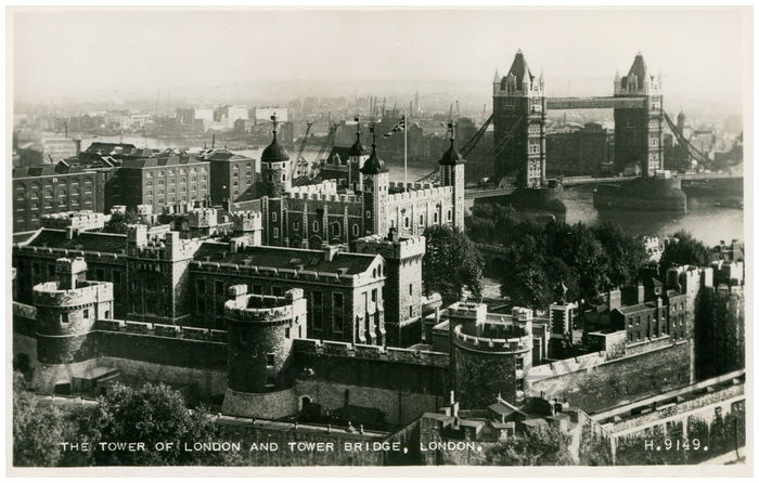 Postcard front: The Tower of London and Tower Bridge, London.