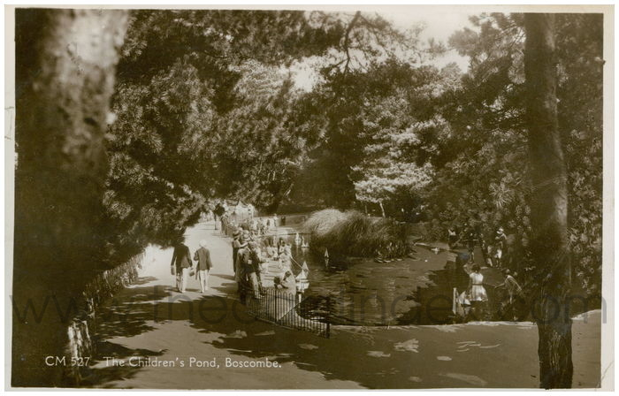 Postcard front: The Children's Pond, Boscombe.