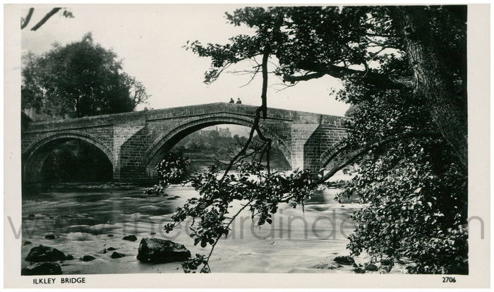 Postcard front: Ilkley Bridge.