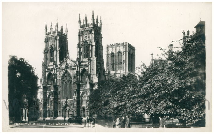 Postcard front: York - The Minster, The West Fron