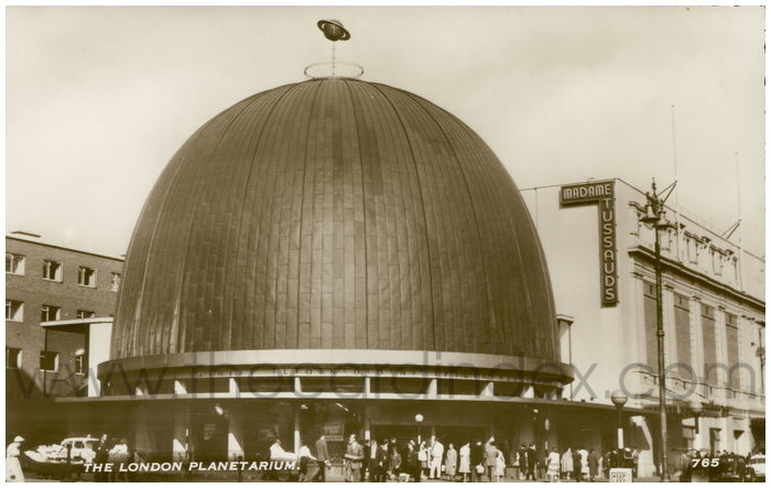 Postcard front: The London Planetarium