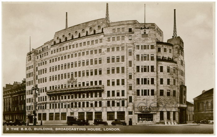 Postcard front: The B.B.C. Building, Broadcasting House, London.