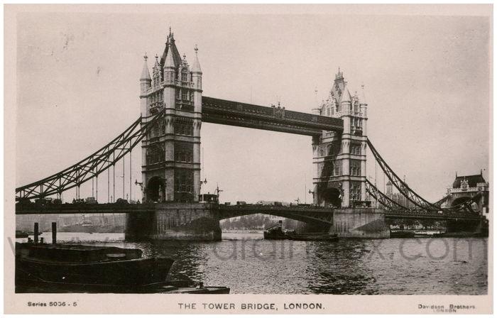 Postcard front: The Tower Bridge, London.