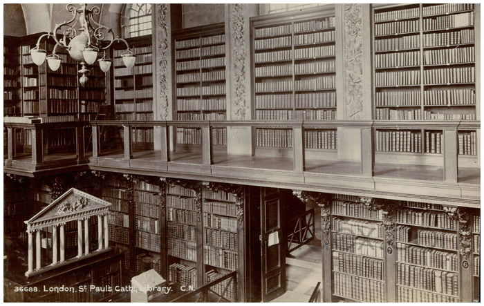 Postcard front: London, St. Paul's Cath. Library.
