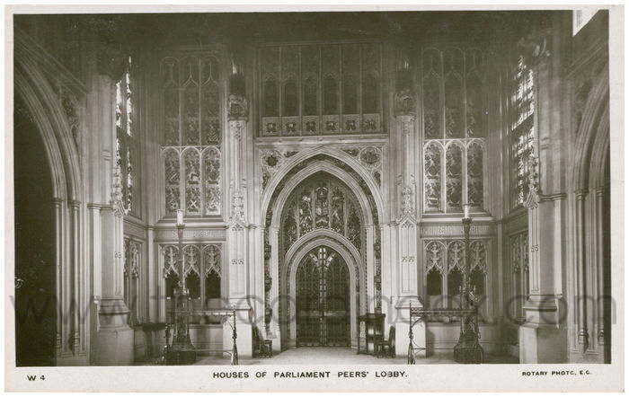 Postcard front: Houses of Parliament Peers' Lobby.