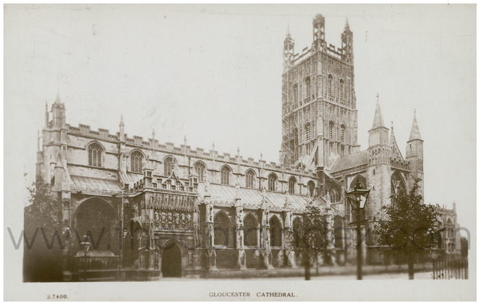 Postcard front: Gloucester Cathedral.