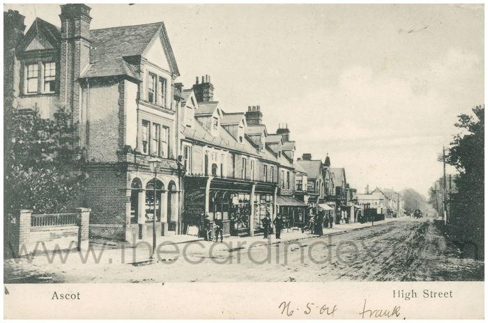Postcard front: Ascot High Street