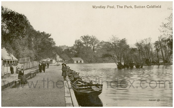 Postcard front: Wyndley Pool, The Park, Sutton Coldfield