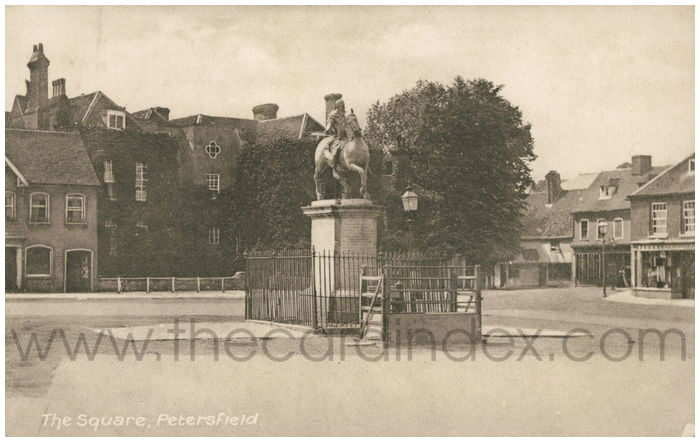 Postcard front: The Square, Petersfield.