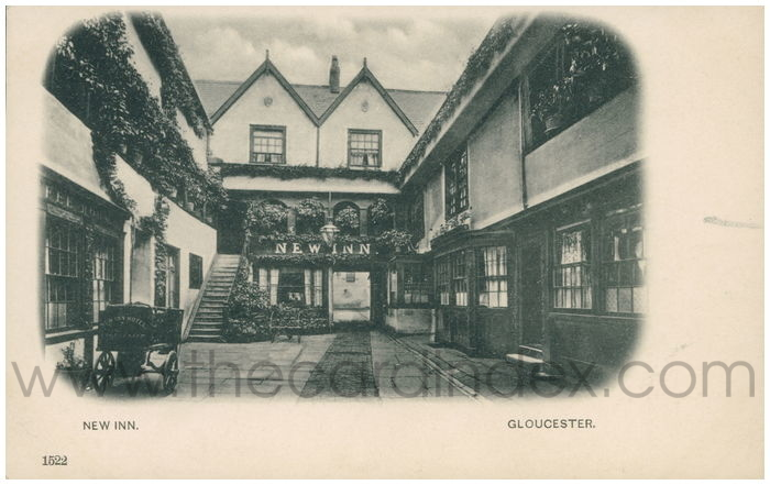 Postcard front: New Inn. Gloucester.