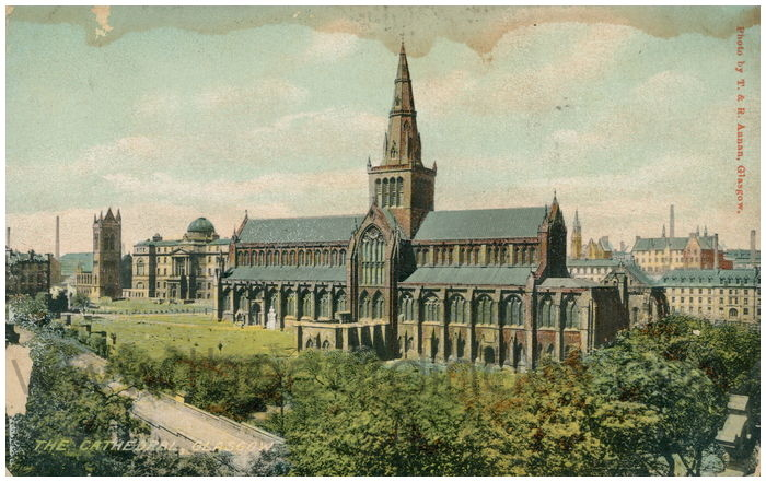 Postcard front: The Cathedral, Glasgow.