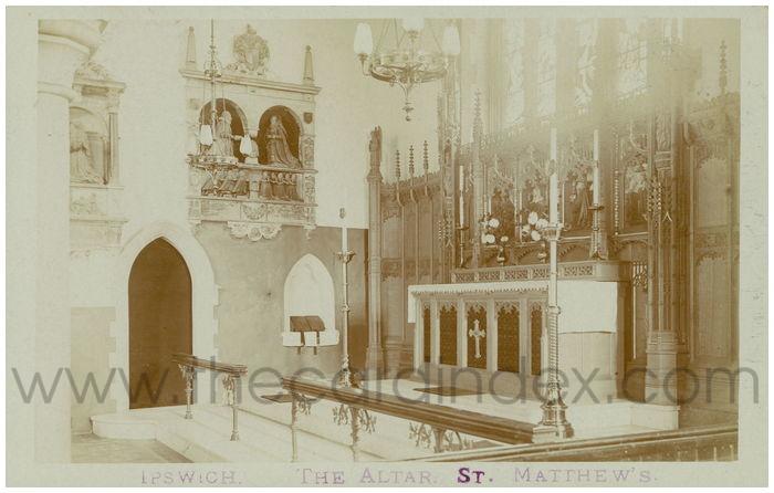 Postcard front: Ipswich. The Altar St. Matthew's