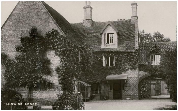 Postcard front: Hinwick Lodge