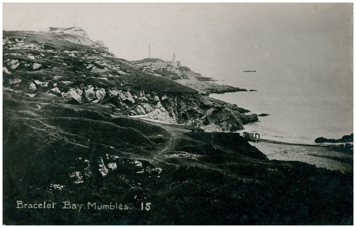 Postcard front: Bracelet Bay. Mumbles.