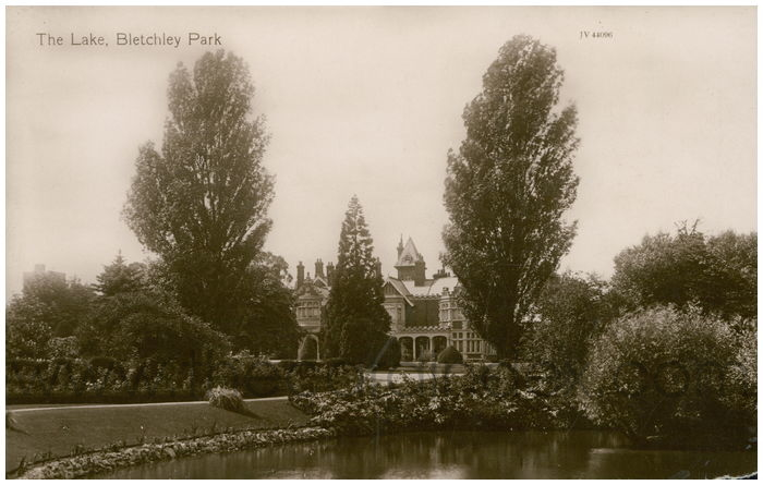 Postcard front: The Lake, Bletchley Park