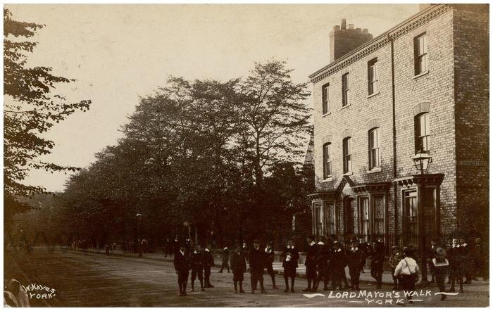 Postcard front: Lord Mayor's Walk - York