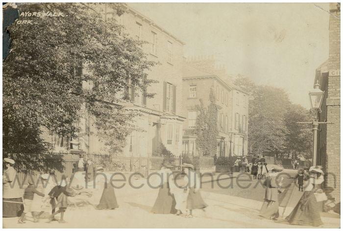Postcard front: Lord Mayors Walk - York