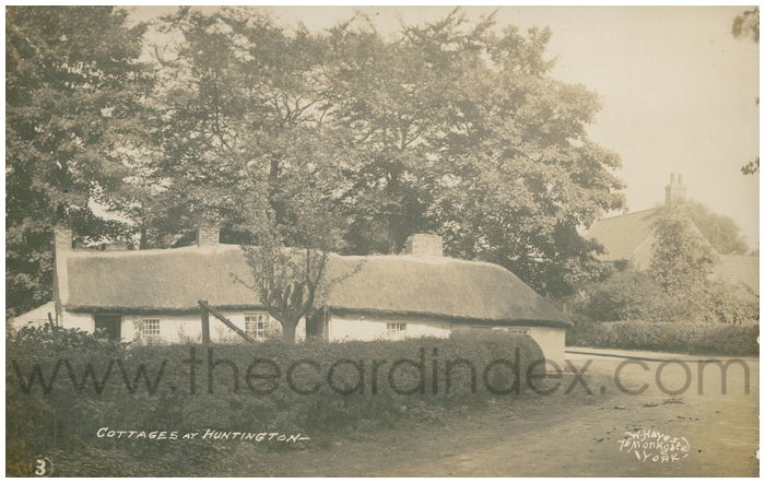 Postcard front: Cottages At Huntington