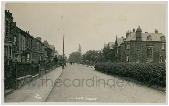 Postcard front: East Parade